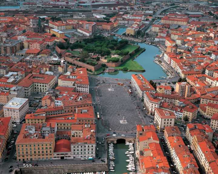 Meteo Livorno domani venerdì 10 aprile: cieli sereni