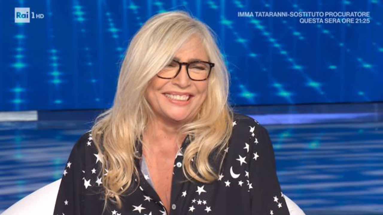 """Mara Venier e lo scherzo di Stefano De Martino: """"Mi prendi p"""