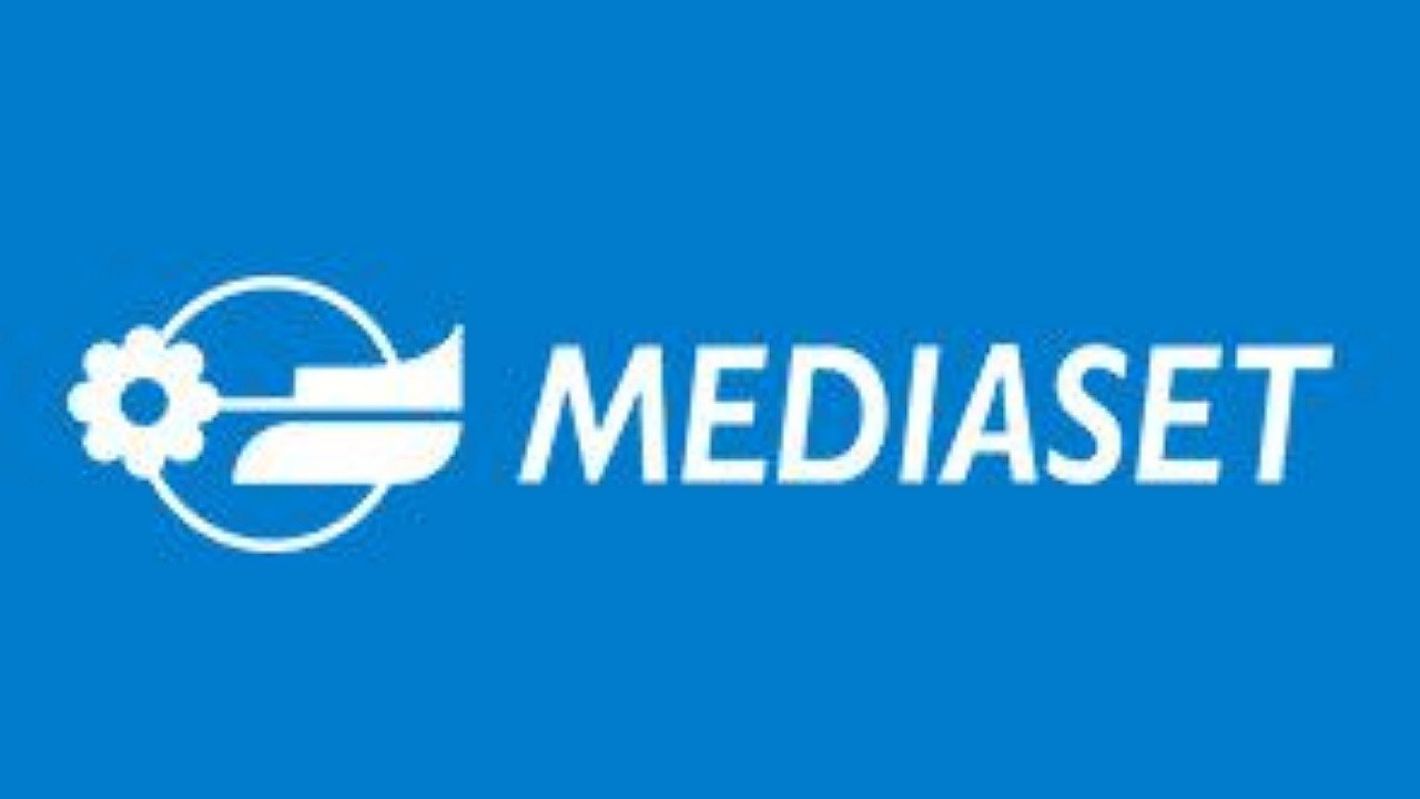 Mediaset, arriva l'addio di un volto noto: sconcerto tra i t