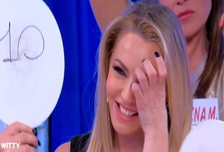 Gianni Sperti contro Paola Barale: la frecciata su Instagram