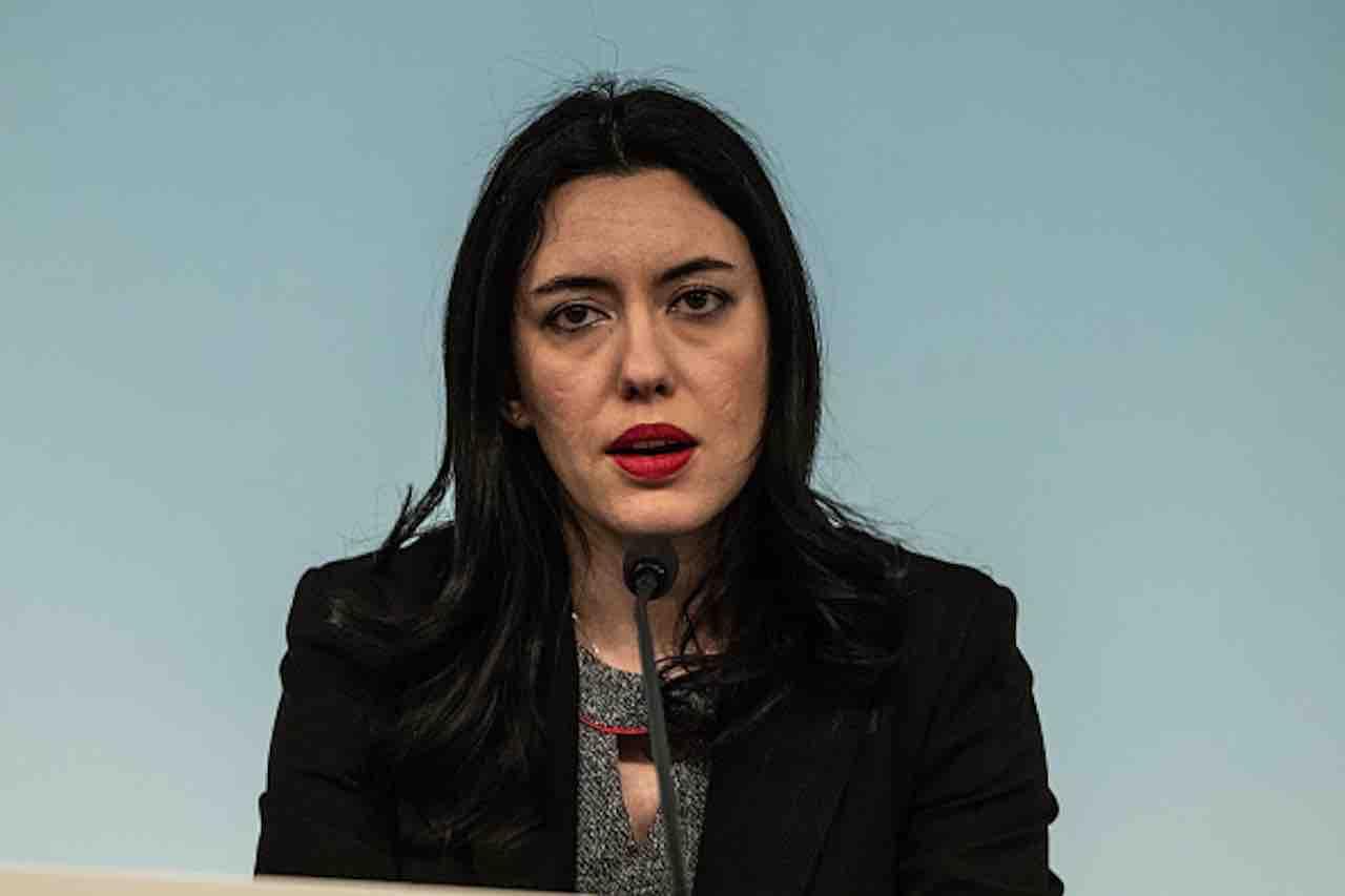 Concorsi- bufera sul ministro Azzolina, ma M5S non vuole rimpasti (Getty) - meteoweek.com