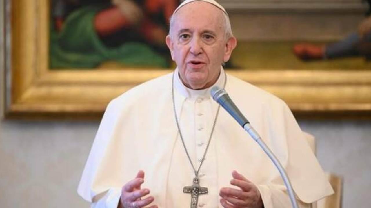 """Il Papa celebra la Messa di Pentecoste: """"Investire su salute"""