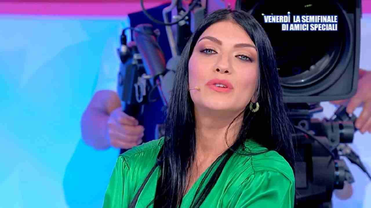 Giovanna Abate doppiogiochista | Il dramma della scelta a Uo