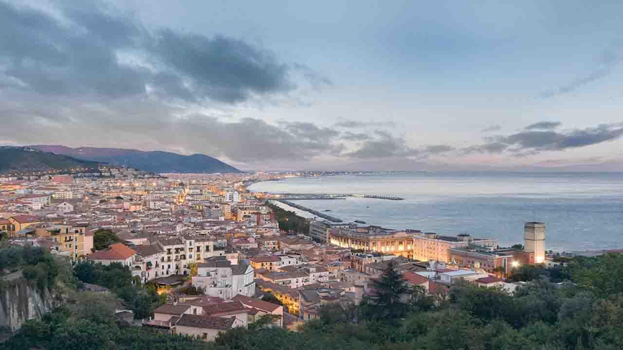 Meteo Salerno oggi lunedì 25 maggio    nubi di passaggio