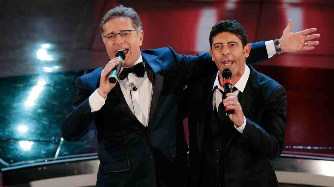 """Paolo Bonolis , dedica a Laurenti: """"Siamo talmente felici in"""