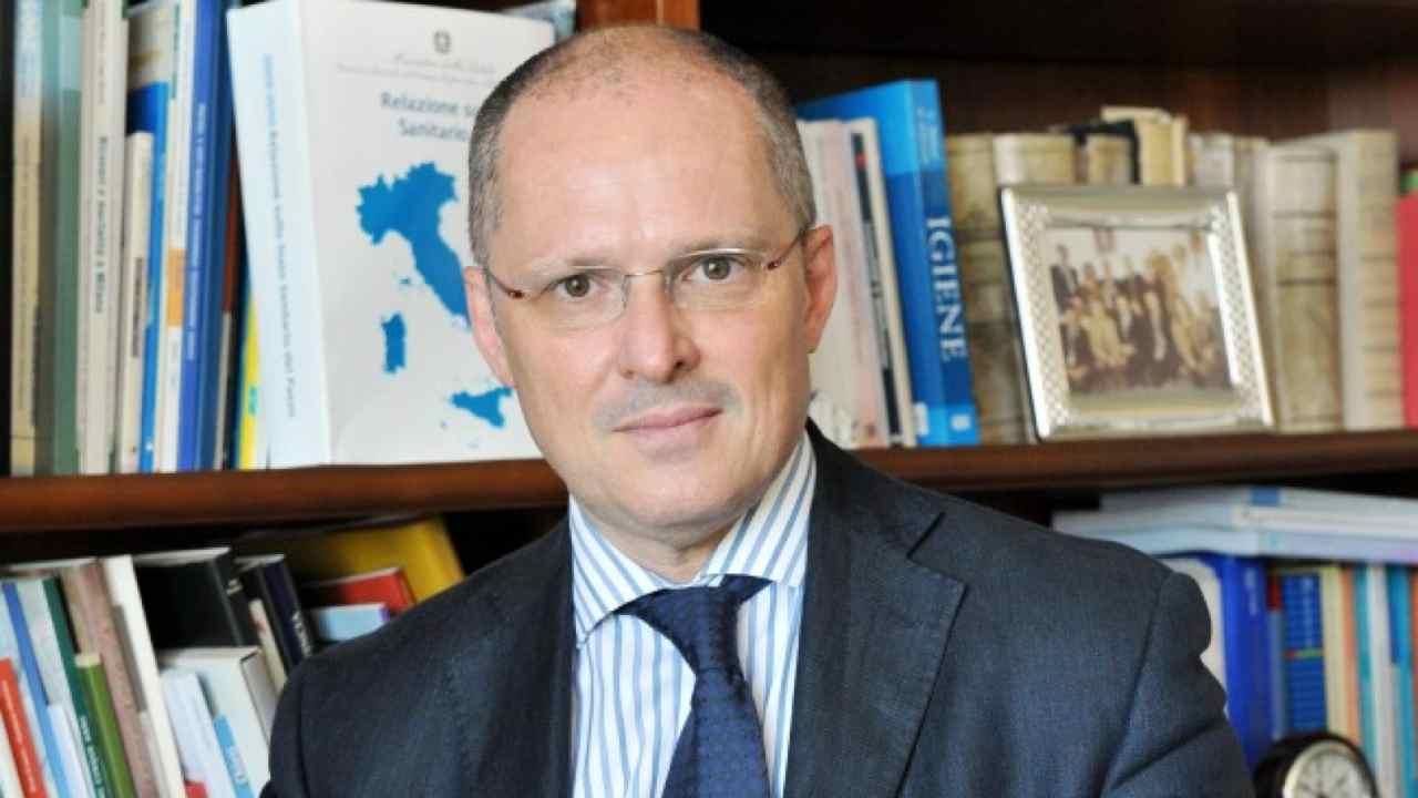 """Ricciardi, Oms: """"Il virus è ancora intenso, il Lombardia ci"""