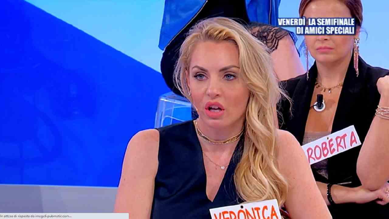 Veronica Ursida respinta da tutti | Anticipazioni Uomini e D