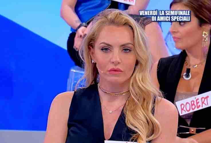 Roberta Di Padua smaschera Veronica