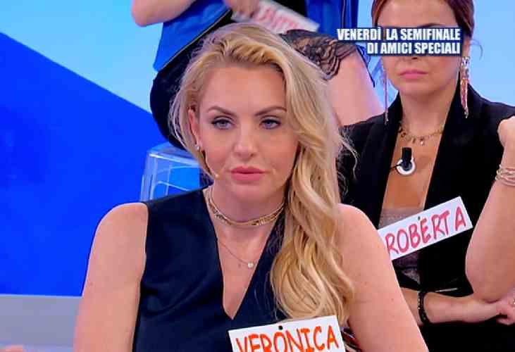 Veronica Ursida respinta da tutti
