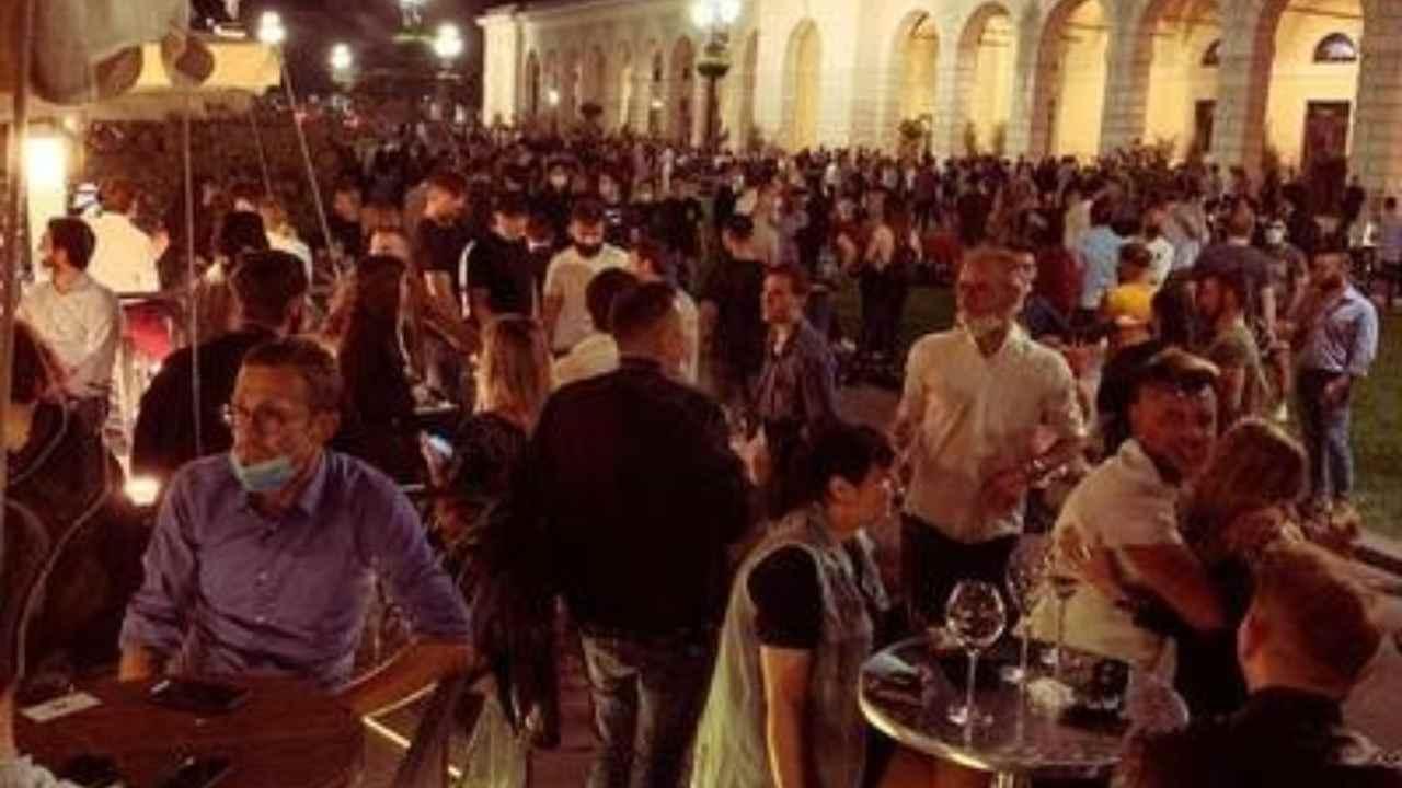 Fase 2 |  a Brescia chiudono le piazze dopo mezzanotte