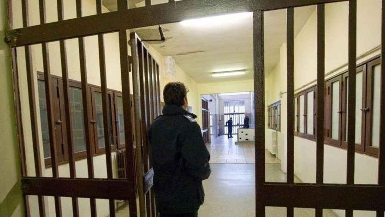 Detenuto si suicida in carcere |  era in isolamento anti-Covid