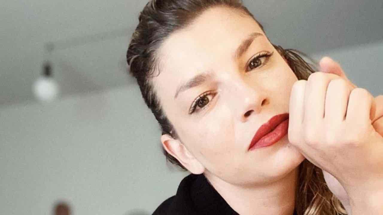 Emma Marrone l'ha fatto di nuovo |  torna bionda dopo la malattia