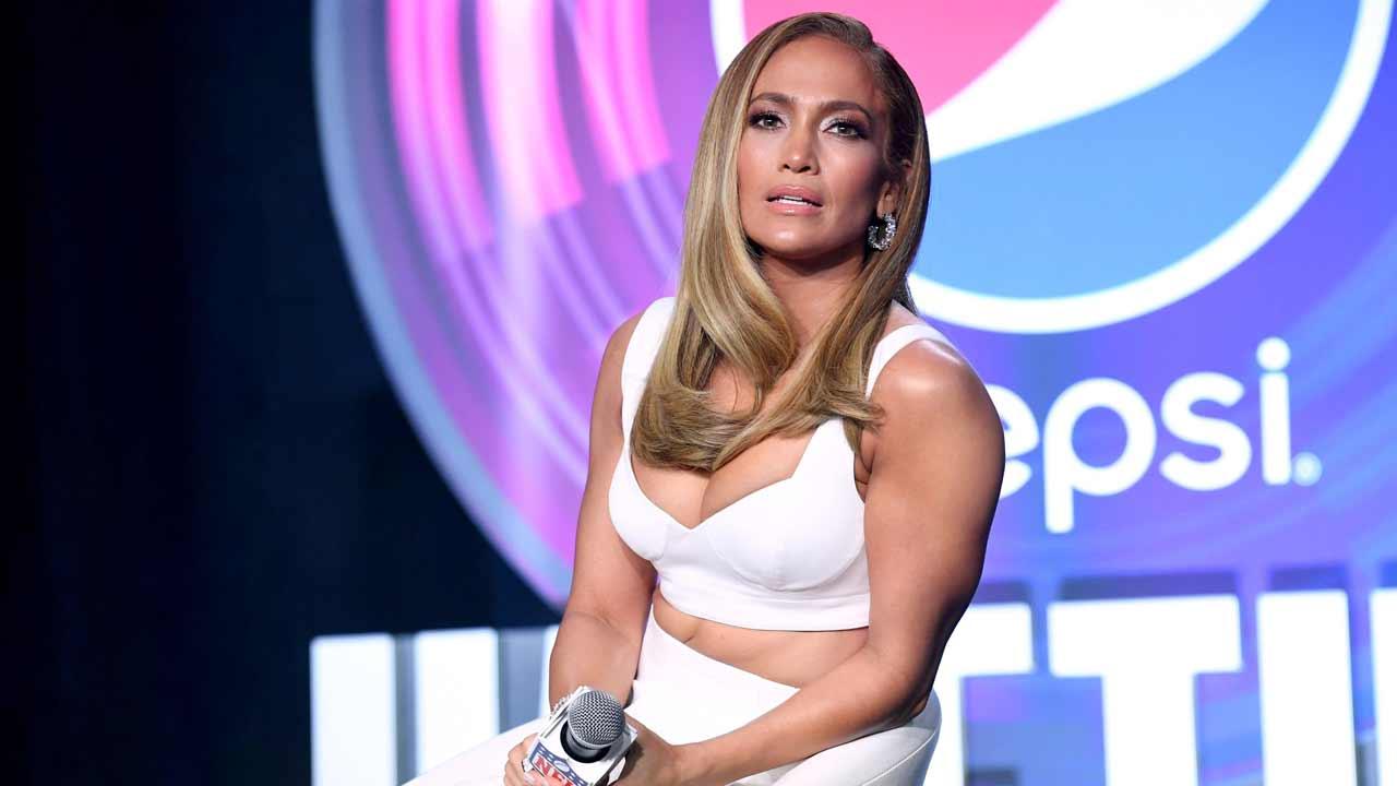 Jennifer Lopez senza un filo di trucco: eccola a 50 anni