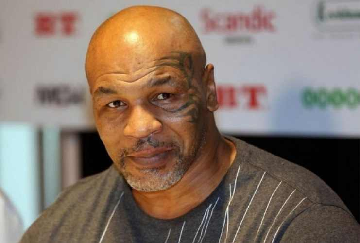 Mike Tyson torna sul ring