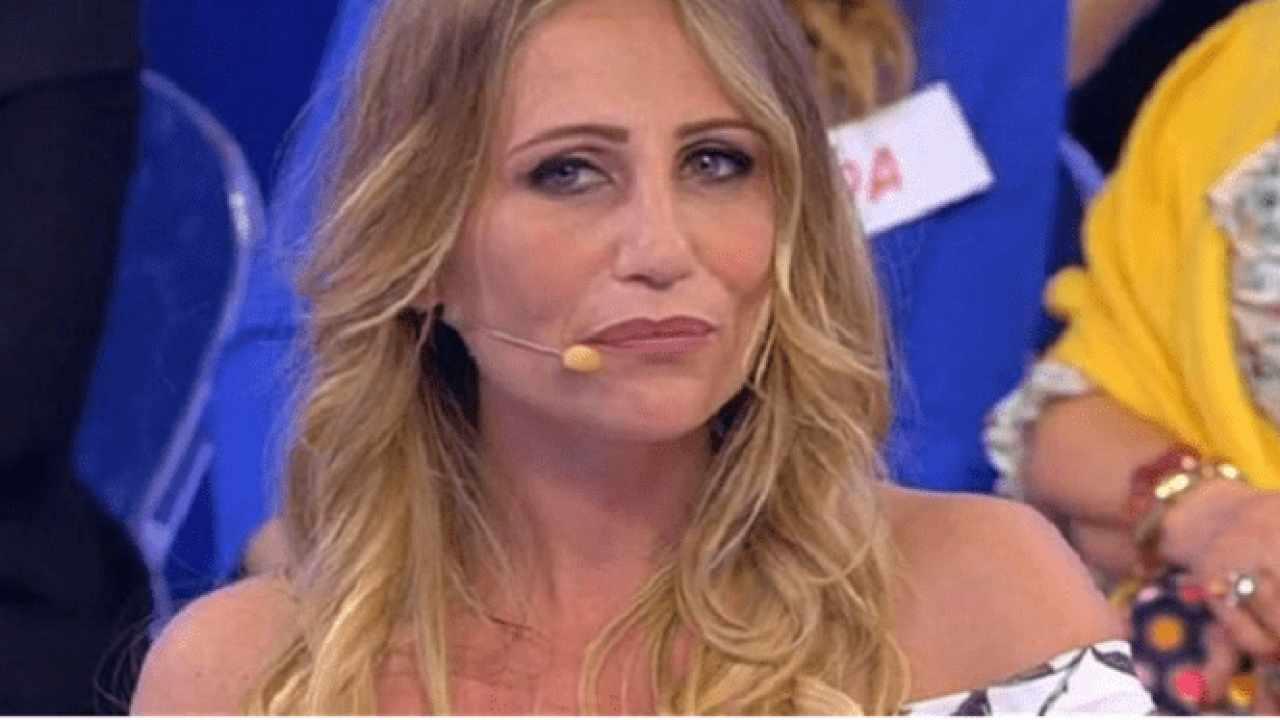 Ursula Bennardo stoccata a Serena Enardu | Dura condanna del