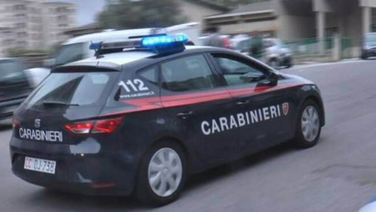 Imbavagliato e assassinato a Torino, si indaga su rapporti lavoro vittima