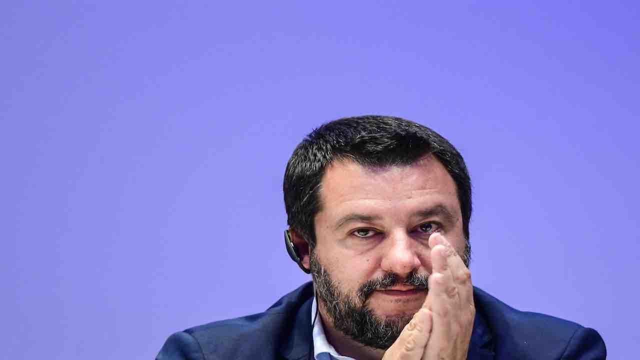 Salvini commenta l'app Immuni: non scarico senza garanzie su