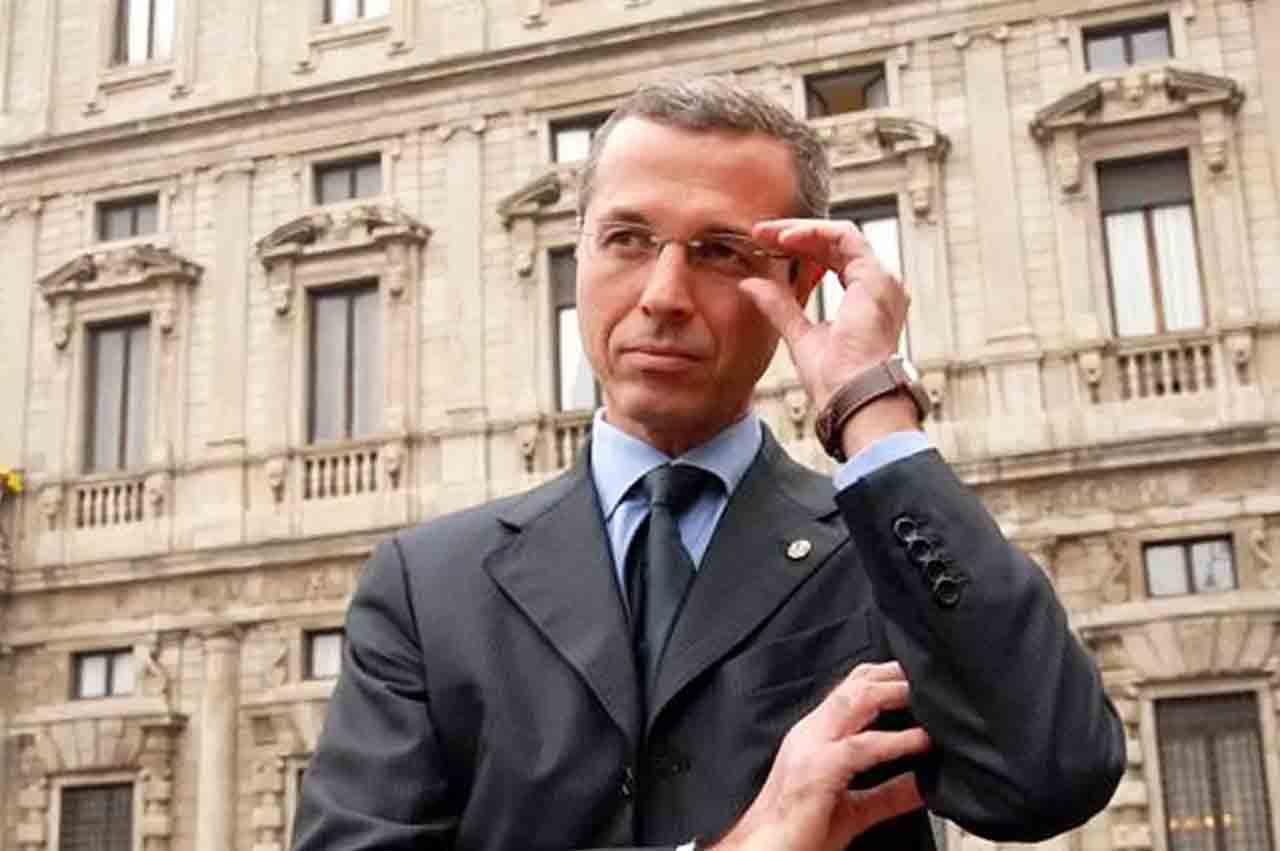 Milano: arrestato spacciatore, fidanzata complice indagata per abbandono minori