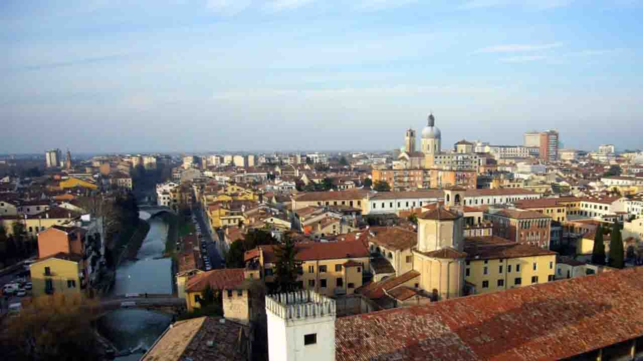 Meteo Padova domani martedì 2 giugno: poco nuvoloso
