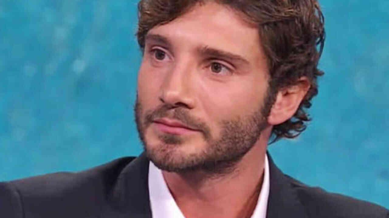 Stefano De Martino beccato con l'ex tronista di Uomini e Donne: chi è