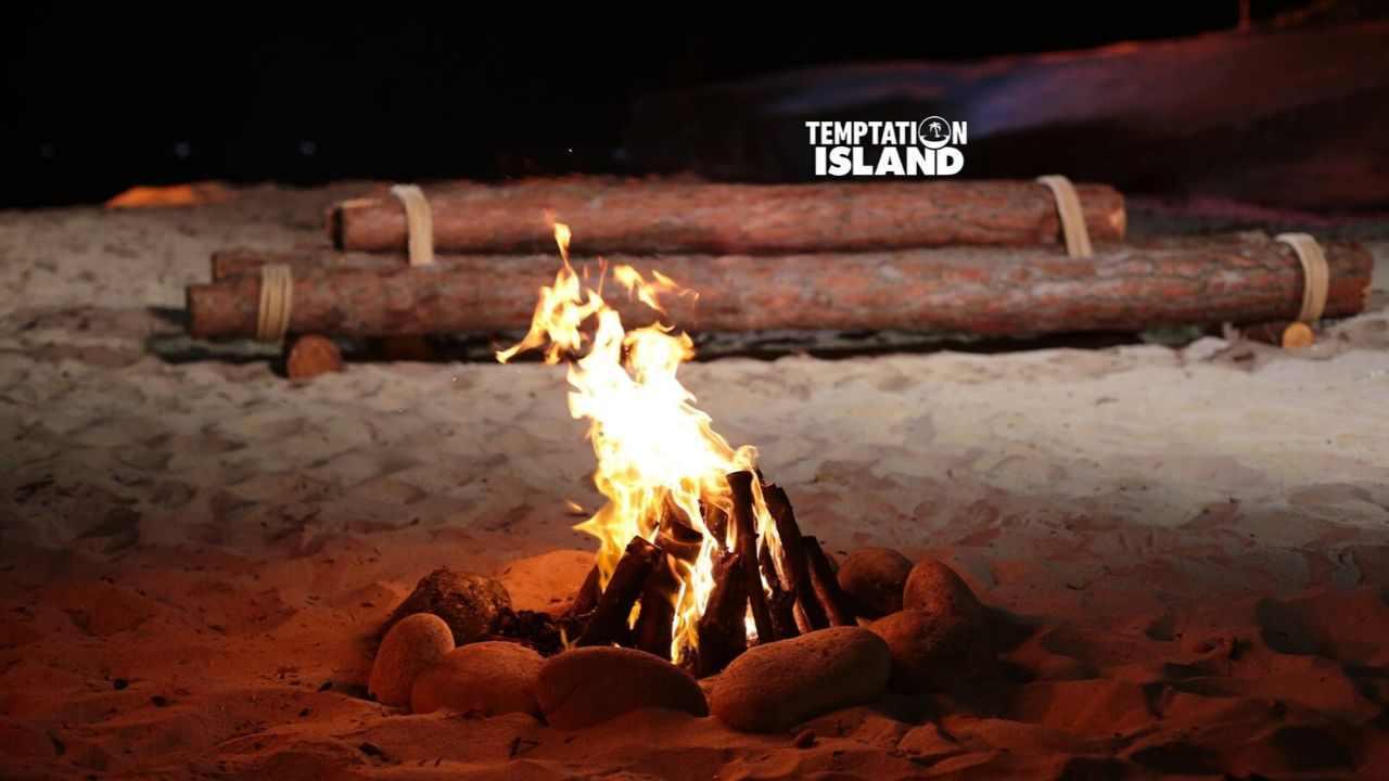 Temptation Island: Antonella Elia e Pietro Delle Piane coppia ufficiale