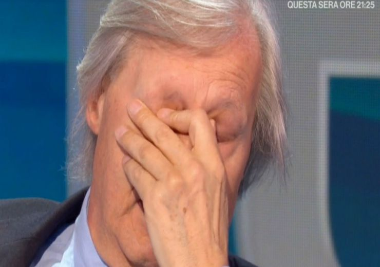 Vittorio Sgarbi piange in diretta: