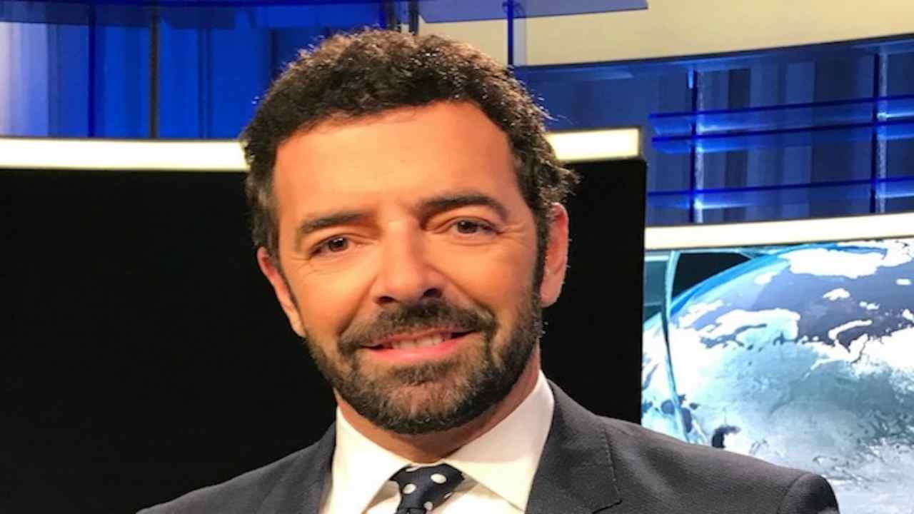 """Alberto Matano amica speciale: """"Anche a distanza sempre con"""