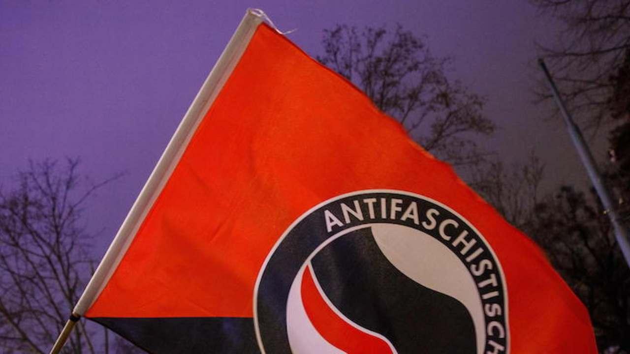 Antifa: il movimento di estrema sinistra che Trump ritiene t
