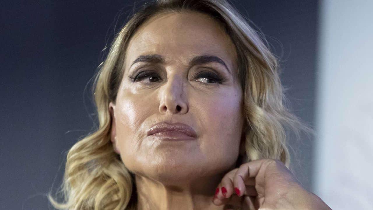 """Barbara D'Urso massacrata per una foto: """"Stavolta è troppo"""""""