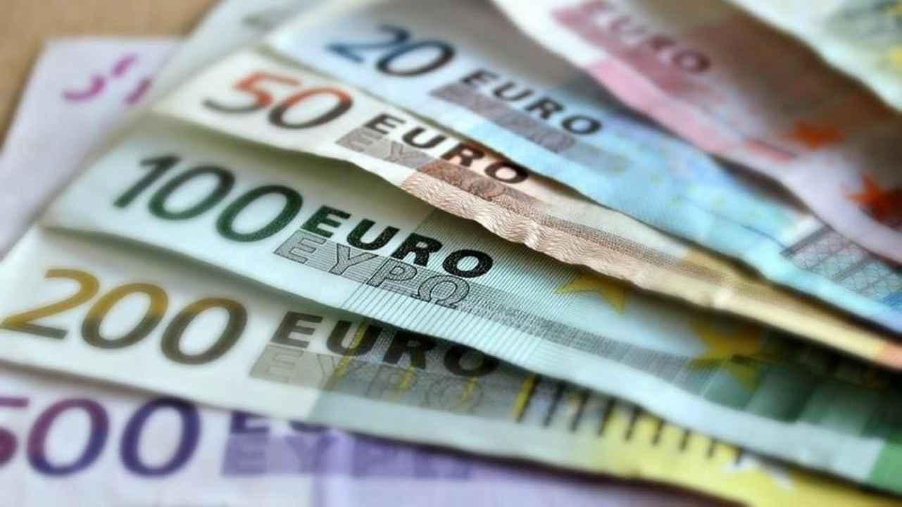 Pagamento in contanti: tetto massimo abbassato a 2mila euro