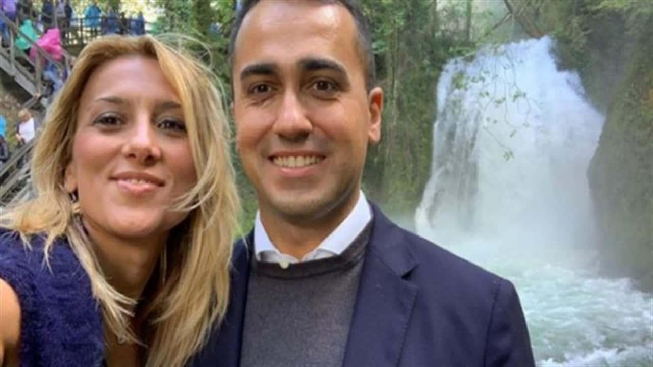 Di Maio e la fidanzata, fuga d'amore: la foto in vacanza