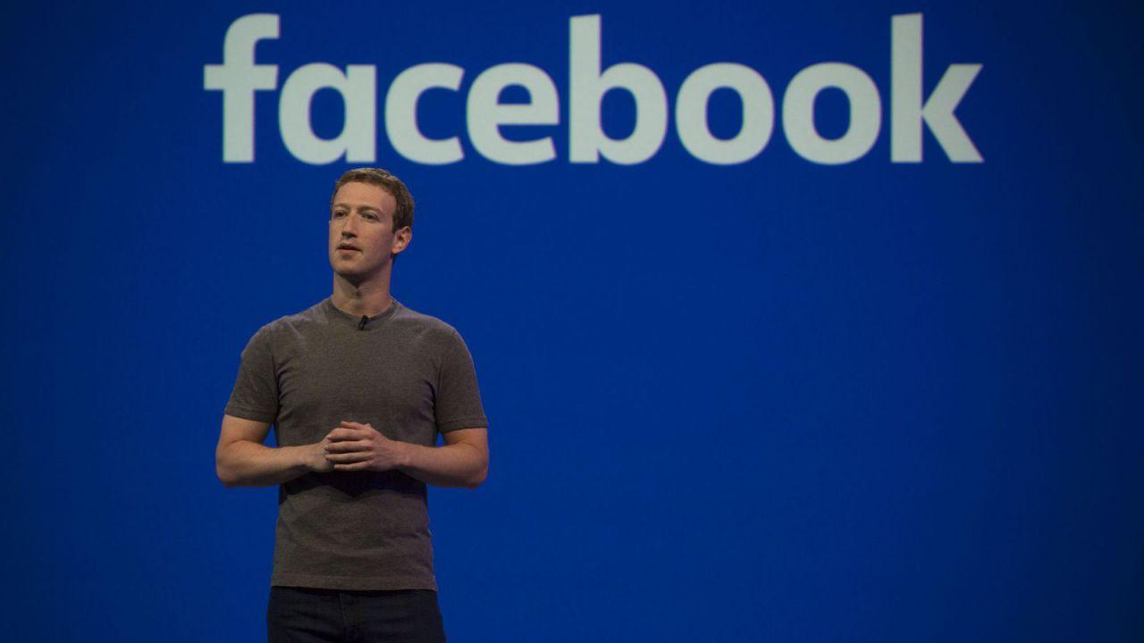 Facebook, crollo economico per Zuckerberg: perdite da 7,2 miliardi