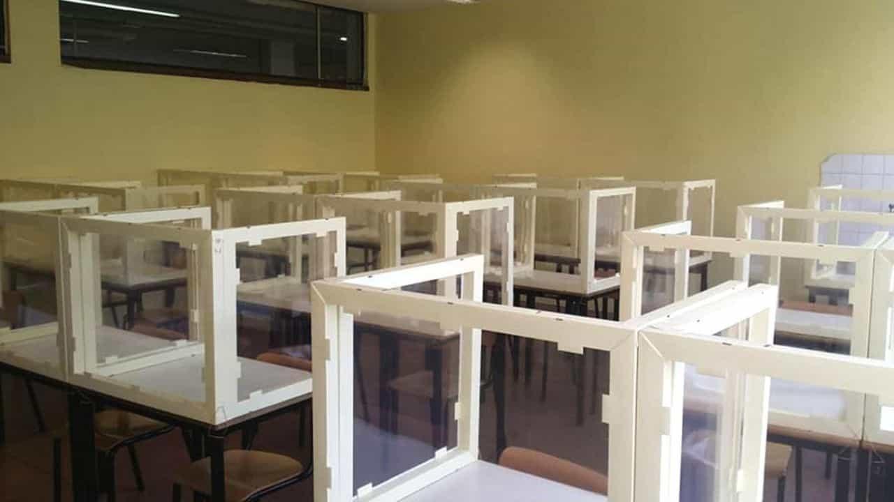gabbie in plexiglass a scuola