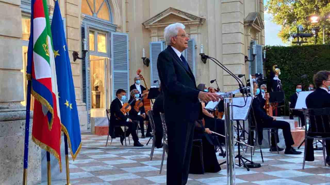 """Mattarella: """"2 giugno tra incertezza e speranza, sono fiero"""