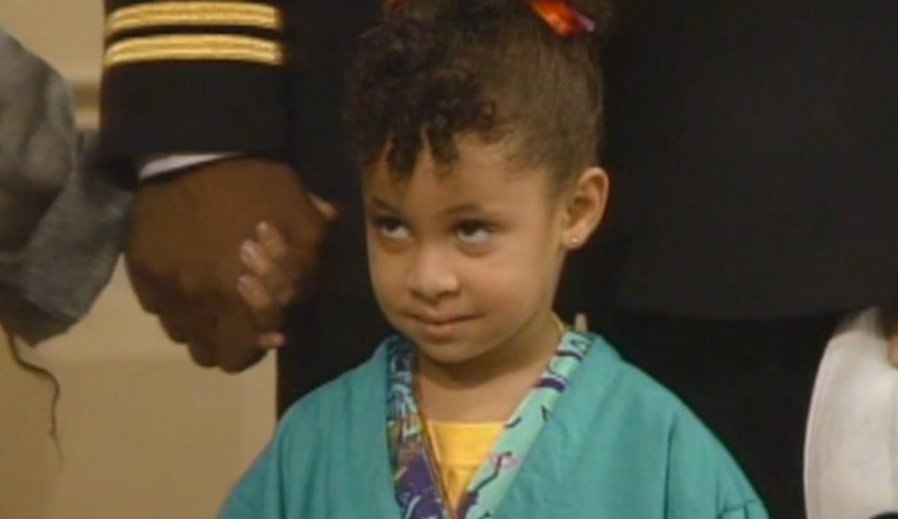 La piccola Olivia dei Robinson è cresciuta |  ha 35 anni ed è irriconoscibile