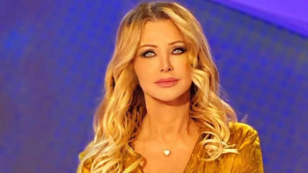 Paola Ferrari senza trucco e parrucco: la giornalista al nat