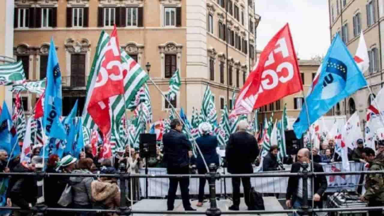 """Decreto Scuola, insoddisfatti i sindacati: """"Nessun piano per"""