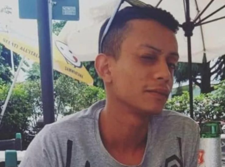 """Bruno è morto a 23 anni, la madre:""""Si è ucciso dando testate al muro, perché nessuno lo ha bloccato?"""""""