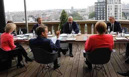 Conte deluso da Merkel Recovery Fund Merkel, Macron, von der Leyen e Michel