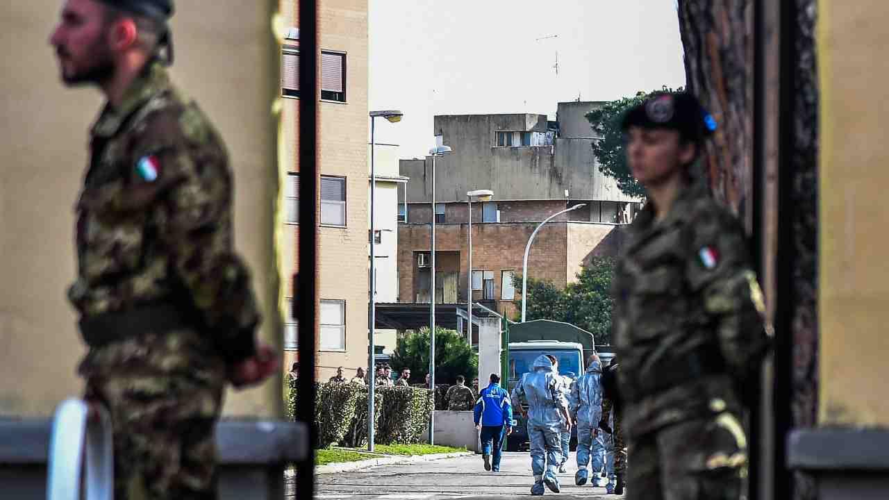 Migranti, ancora tensione in Calabria: schierato l'esercito