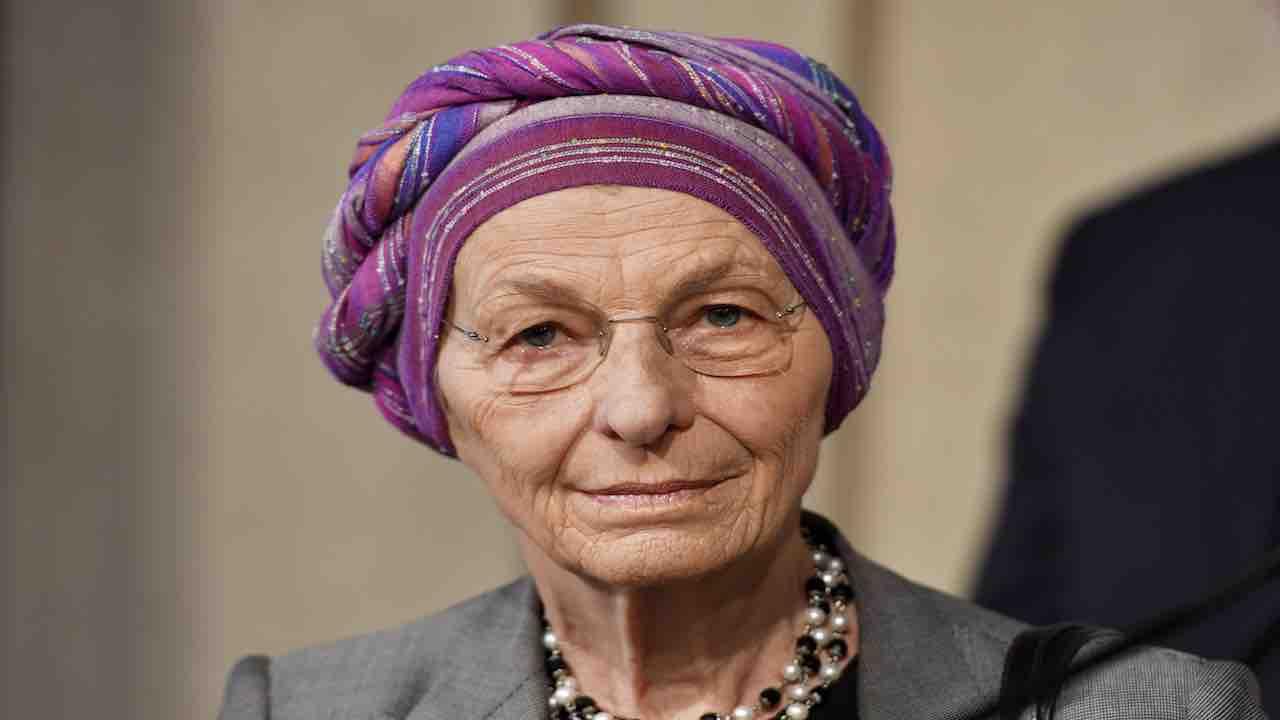 """Decreti Sicurezza, Emma Bonino incalza: """"Si devono cancellar"""