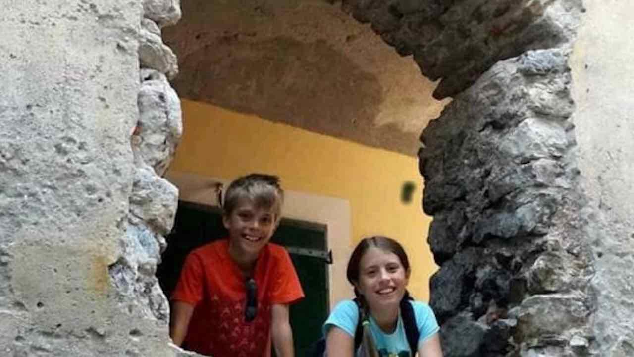 Tragedia di Margno, autopsia: Elena fu strangolata a mani nude