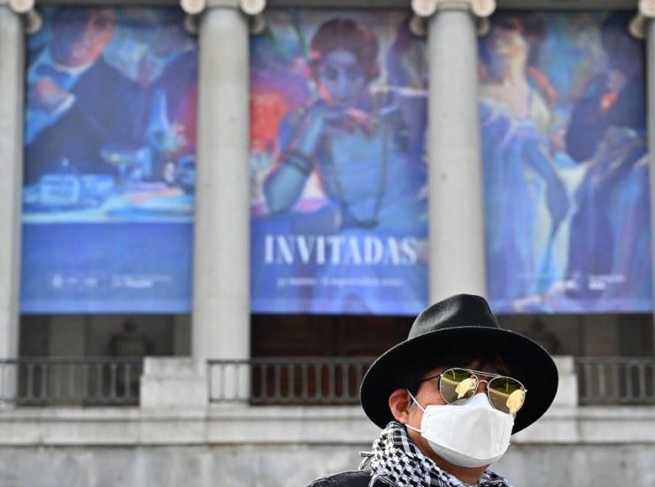 Madrid, da oggi riparte obbligo mascherina in strada