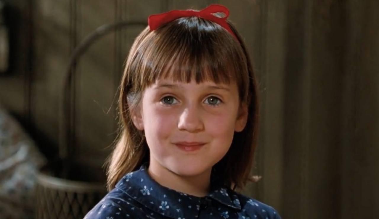 Ricordate l'attrice bambina in 'Matilda 6 mitica'? Eccola og