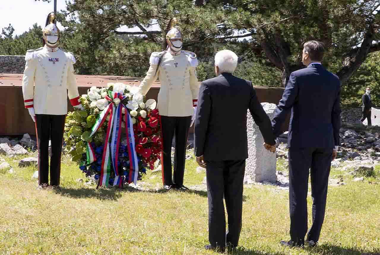 Mattarella, gesto storico a Trieste con il presidente sloven