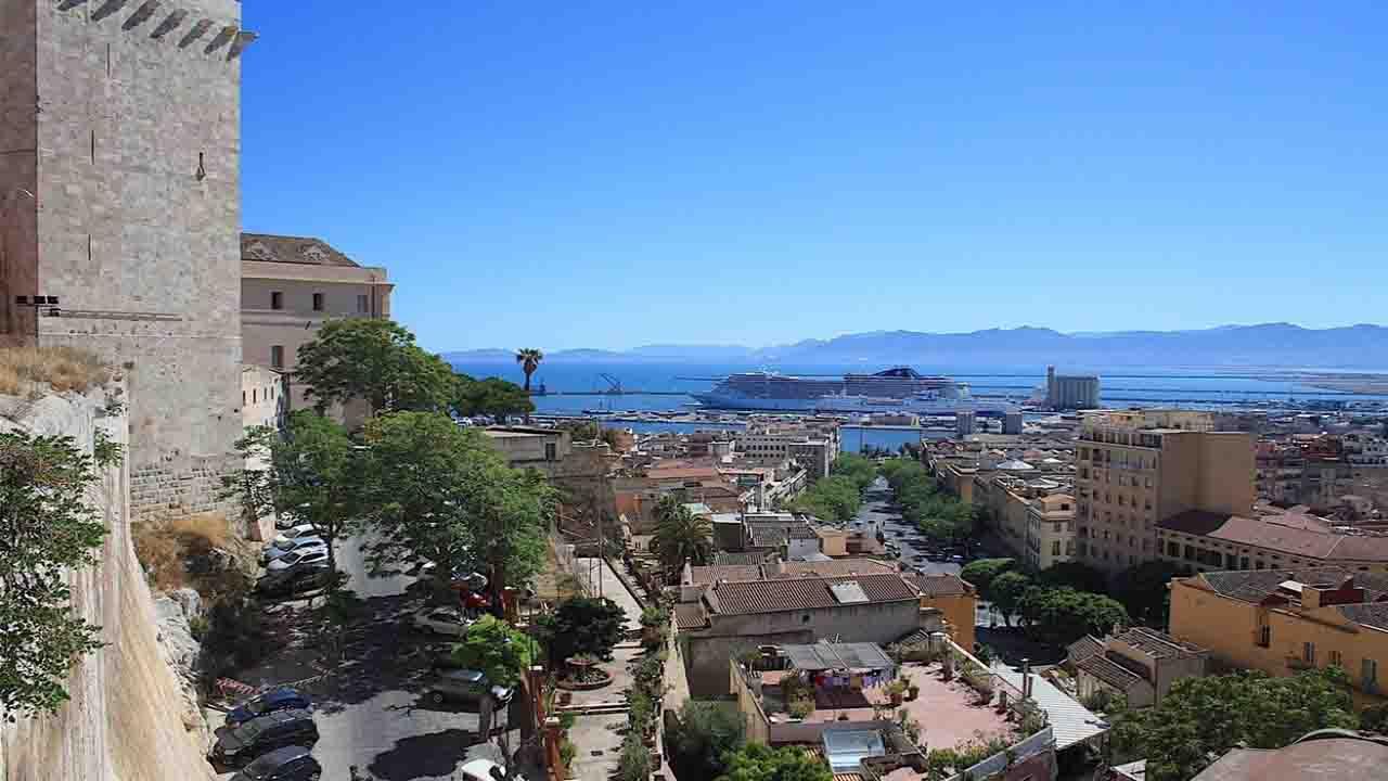Meteo Cagliari domani lunedì 6 luglio: cielo sereno