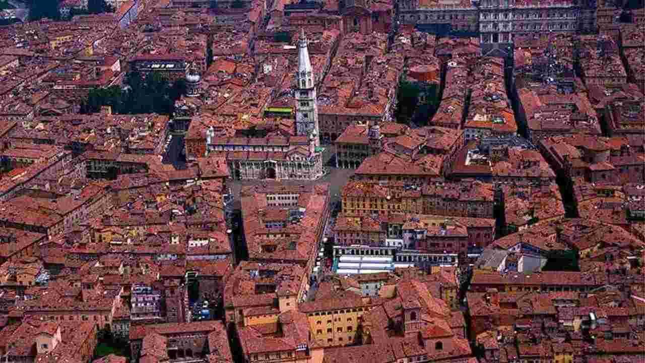 Meteo Modena domani lunedì 13 luglio: cielo poco nuvoloso