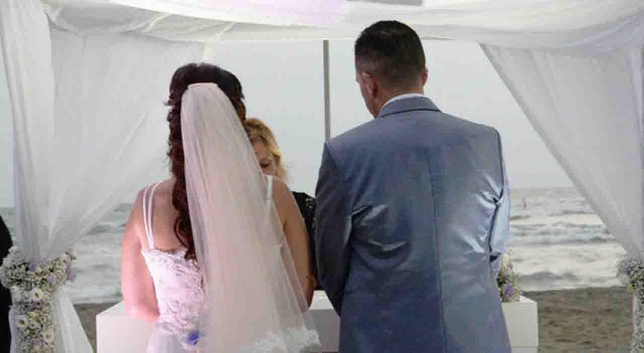Coronavirus, padre della sposa positivo: 91 invitati in quar