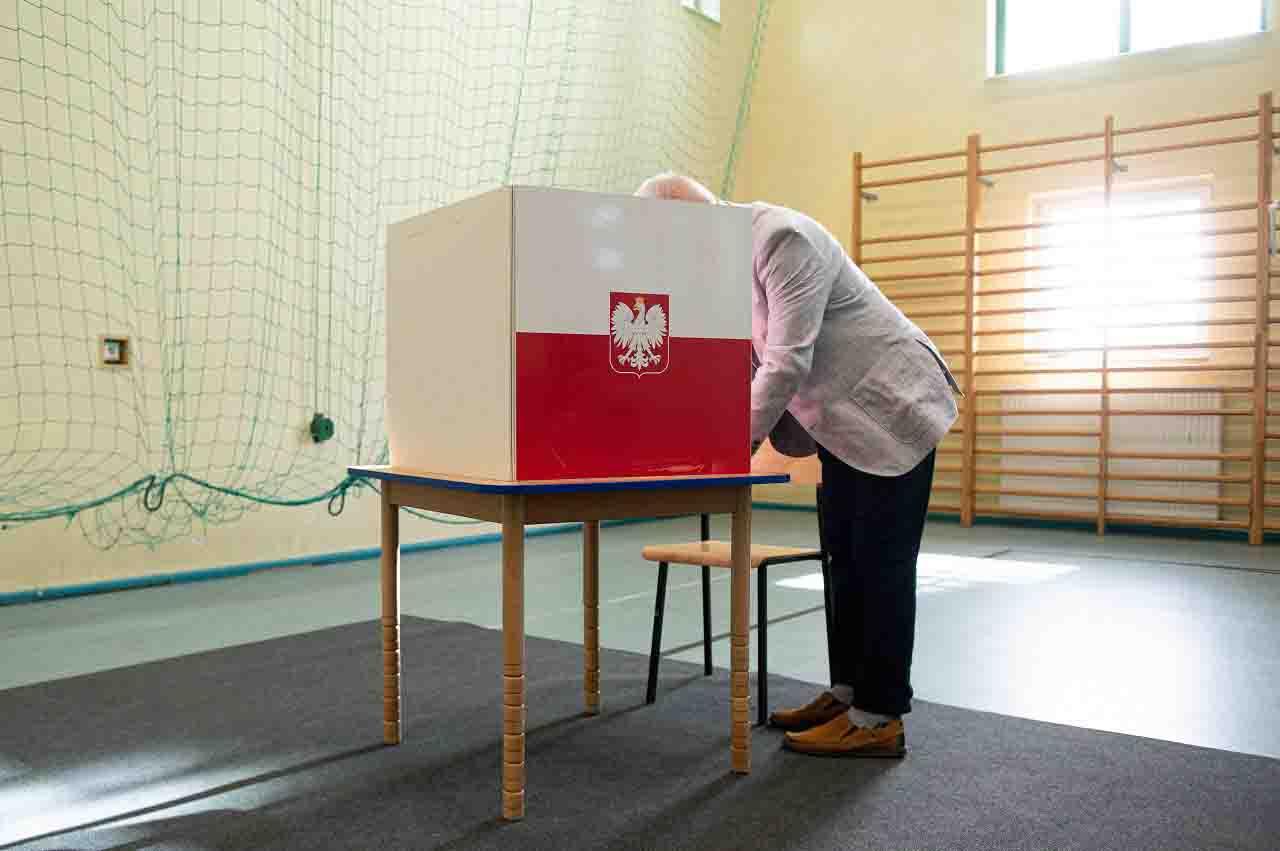 Exit poll Polonia: testa a testa Duda Trzaskowski