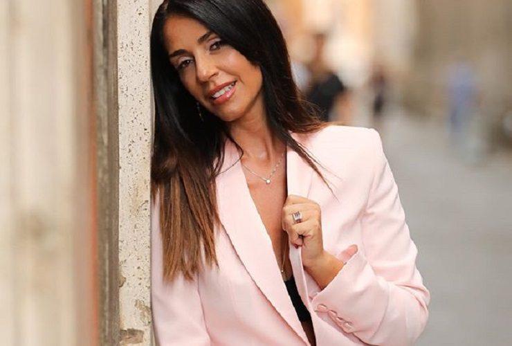 Raffaella Mennoia senza compromessi